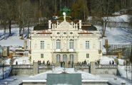 Linderhof Palace - Fairytale Castle tours by All Things Garmisch