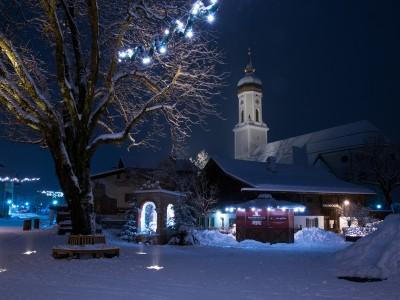 Garmisch-Partenkirchen at night